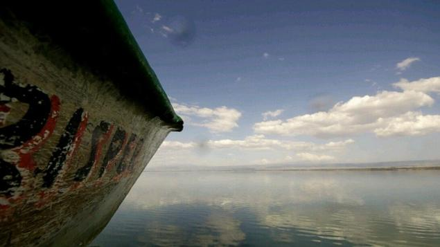 boat-lake-naivasha-sky-reflection-3283