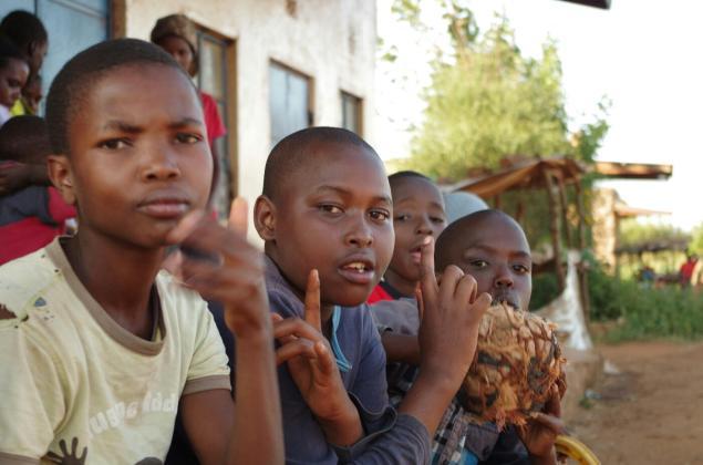 kids-donyo-kenya-0649