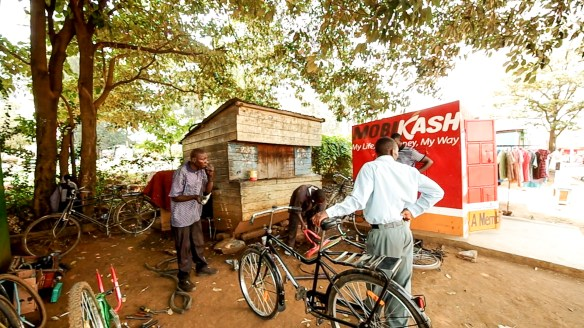 Moses bike-shop in Rongo