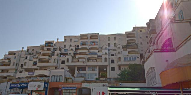Apartment building from the 60s/70s in Mostar. I loved the way the different flats where stacked upon each other like so many toy boxes.