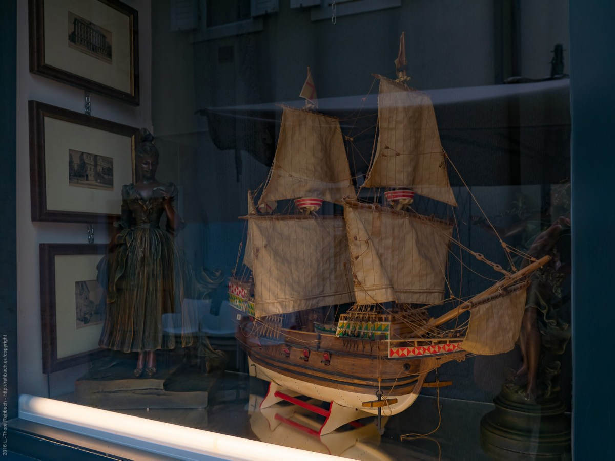 Shop window with a model ship in the jewish ghetto Trieste., b