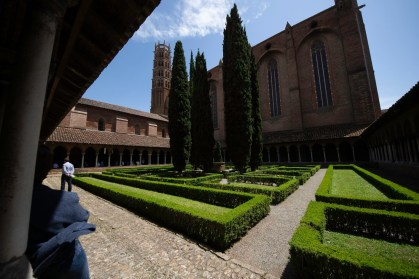 4-sided cloister at Couvent des Jacobins Toulouse