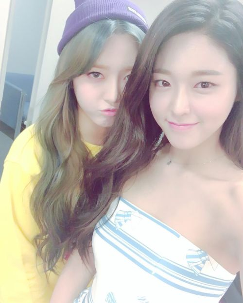 girl and fashion,Korean Girls,Korean,Model,Dream Girls,Korean Model,Korean Girl,korea, beautiful,Pop idol,SeolHyun & ChanMi (AOA) , SeolHyun,ChanMi ,AOA,