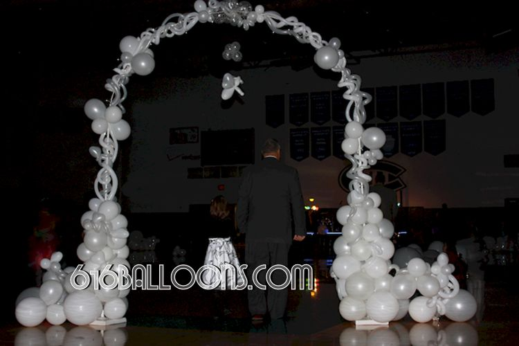 Forrest Hills Father Daughter dance angel arch balloon sculpture by 616Balloons.com Grand Rapids, Mi. Premium balloon art & decor. Corporate events, private parties..