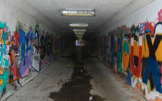 O jeden tunel za daleko