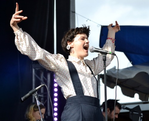 Femme Fatale host Sadie Mayhem had the best seat in the house [from the DJ booth] for Rubblebucket's In-Studio set on Saturday. Everyone got to share in the glory when they hit the Main Stage on Sunday! -dig #RadioBoiseAlive #Treefort2019