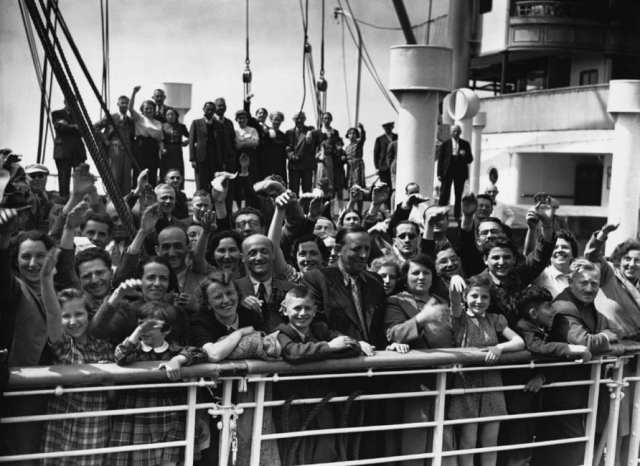 Refugees of the MS Louis from the Holocaust