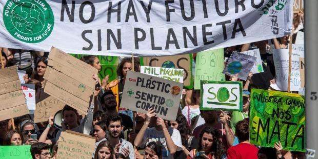 """Juventud por el Clima valora la declaración de emergencia climática del gobierno como """"necesaria, pero insuficiente"""