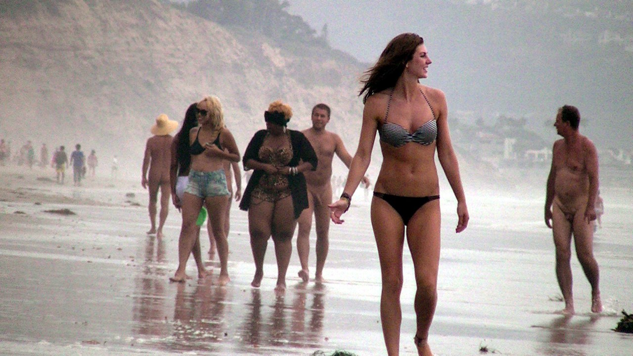 Cfnm beach