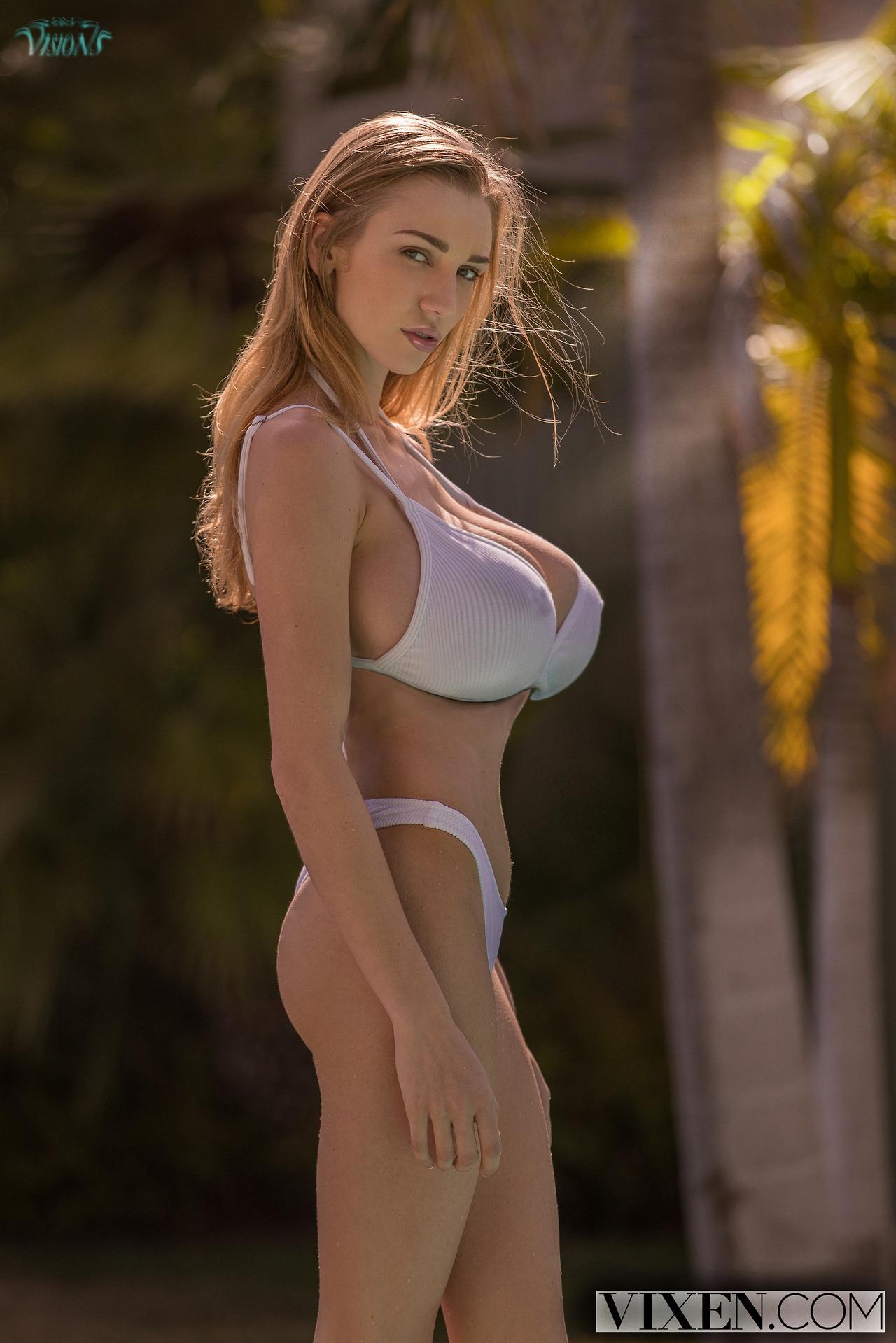 bikini big boobs tumblr