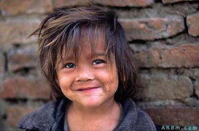 مازلت أحلم بمجتمع لايستحي فيه الفقير من فقره بل يستحي فيه الغني من التباهي بالترف ما اقبح الفقر وما أجمل الفقراء ونفوسهم ♥