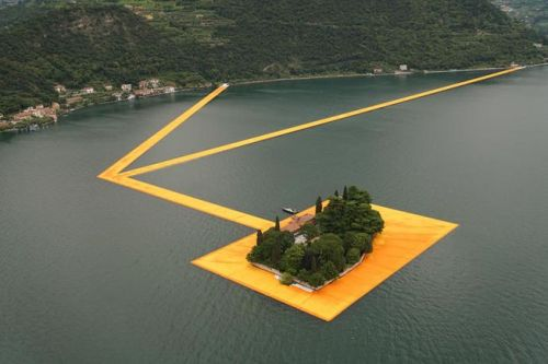 tumblr_o8xrjwgi0M1qfc4xho3_500 Christo and Jeanne-Claude: The Floating Piers, Lake Iseo,... Contemporary