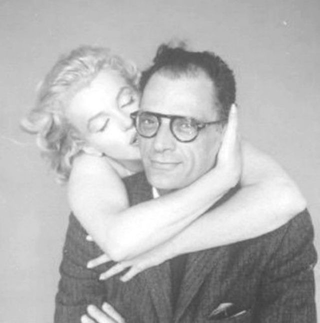 Marilyn Monroe and Arthur Miller during the photo session in