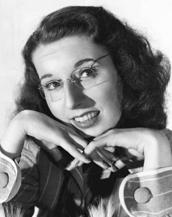 a70eb8b8f8d 20 fascinating vintage photos of Mary Wickes in the 1940s and 1950s.