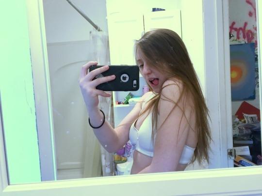 tumblr teen mirror