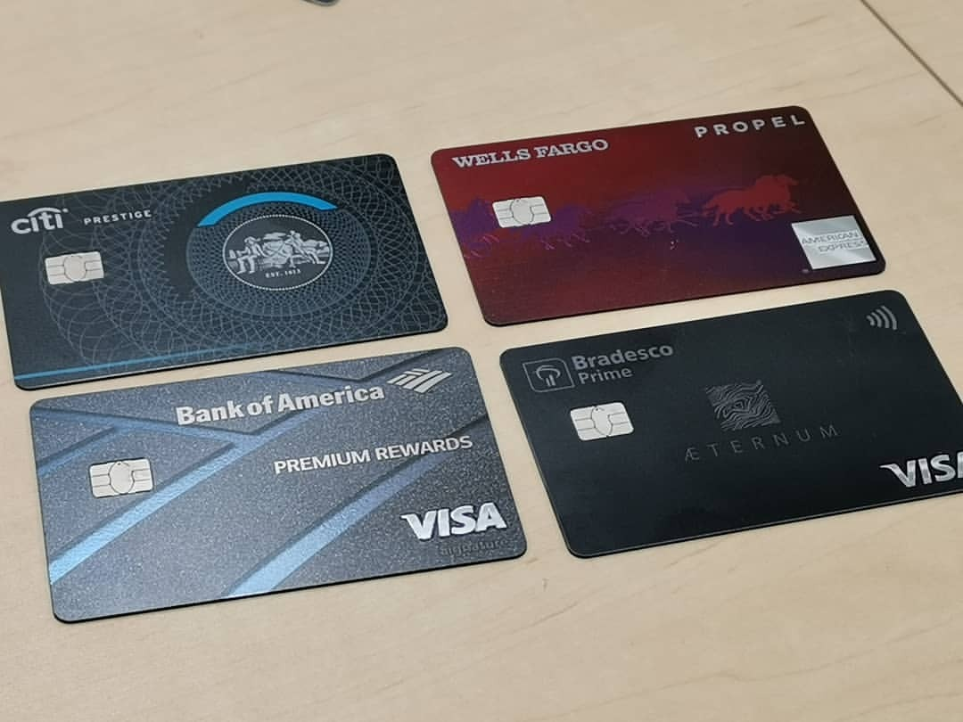 そういえば以前、チタン製のカードを取材で見たなー。金属なのでNFCは使えないというね(NFCロゴのないもの)。https://www.instagram.com/p/Bvcb5NLAm3K/?utm_source=ig_tumblr_share&igshid=1t9hex7i6sewo