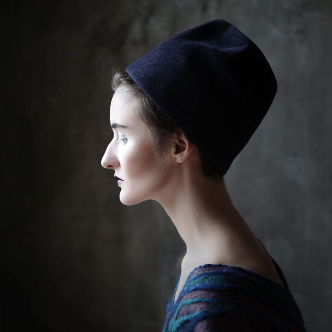 Продолжаем рассказывать про #liveofyourhatnumber. Отдельное внимание заслуживают Your Hat Number 553 & 554 находящиеся у @alenaseleznev. Они стали участниками в съёмке платьев которые создаёт Алёна. Особенно приятно, что фотографировала наш друг — фотохудожник @nkazakovaru, а моделью выступила @liza_katushka. Какая у вас совместная работа получилась! Наше восхищение!