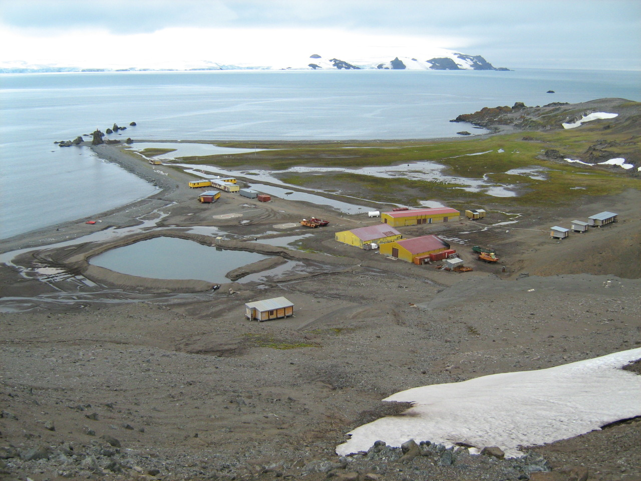 Vídeo | Cambio Climático. Cascadas de agua en la Antártida por la escasez de nieve
