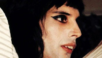 Freddie Mercury, Queen, 1974, via queenphotos – Glamrock