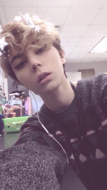 tumblr teen nude selfies
