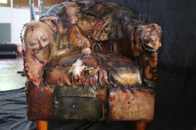 Resultado de imagen de ed gein sofa