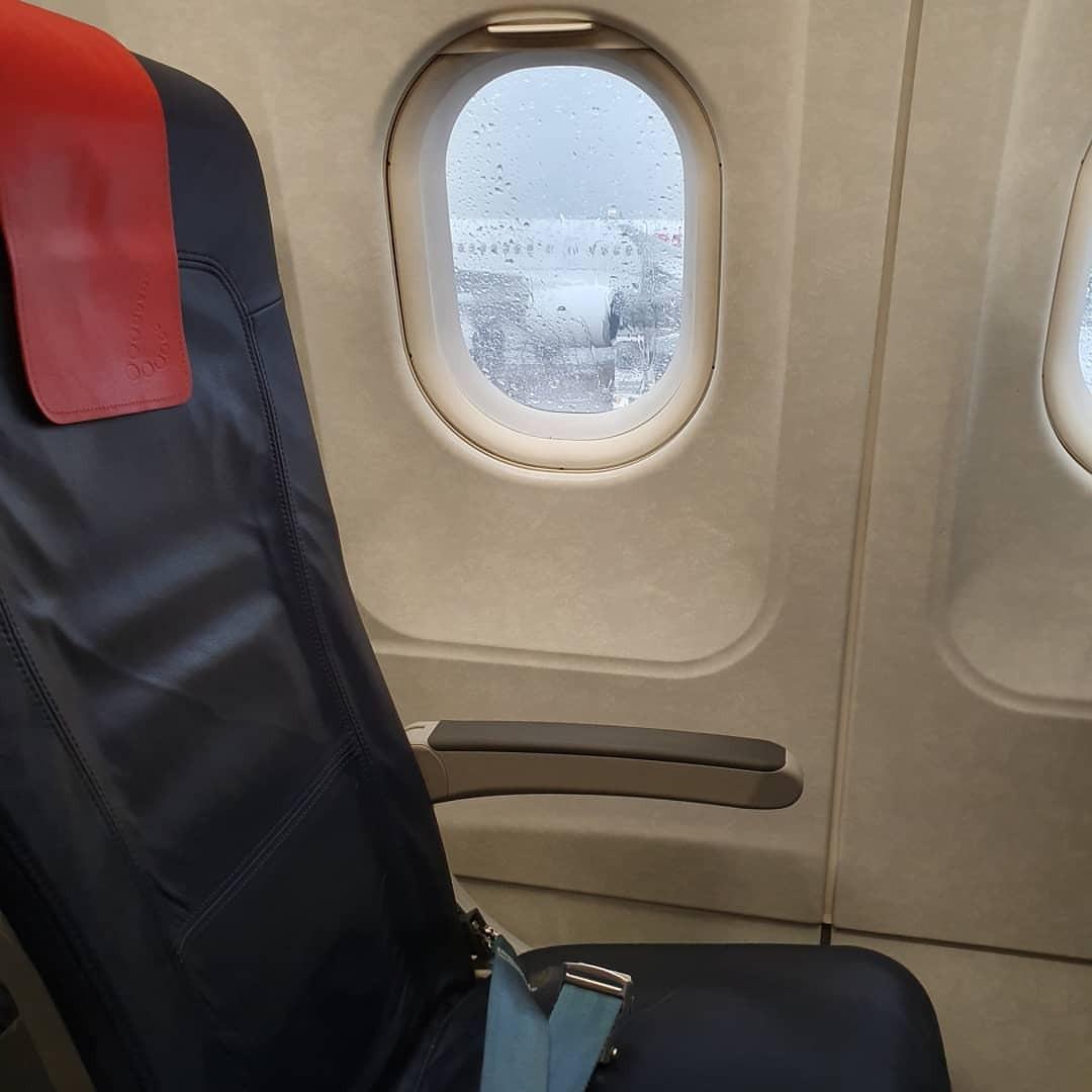 搭乗。さらばベルリン。 (Tegler Flughafensee)https://www.instagram.com/p/B2Mo2agg4Vt/?igshid=1fc23szjhoqso