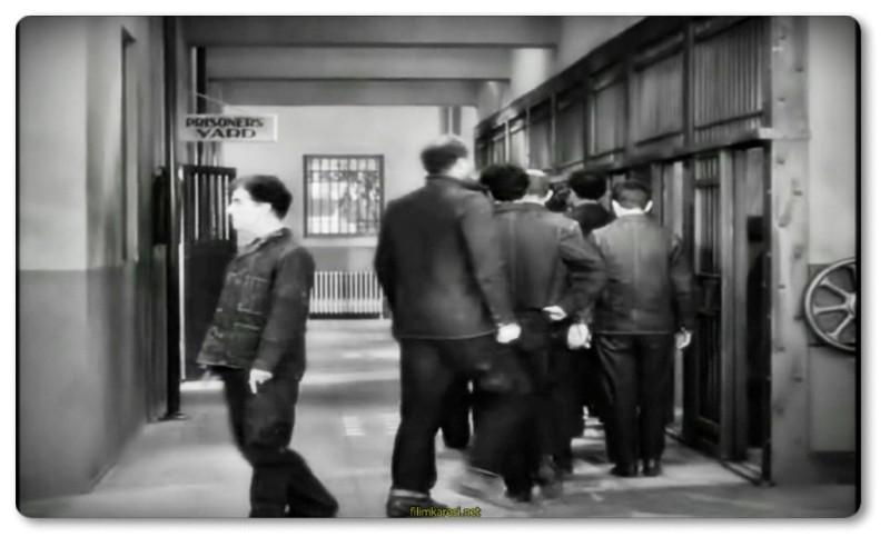 Modern Times,1936,ABD,Новые времена,Charles Chaplin,Paulette Goddard,Modern Zamanlar,Henry Bergman,A Gamin,Cafe Proprietor,Smile,87 Dak