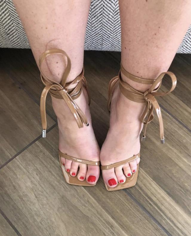 nude feet tumblr