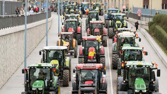 Los agricultores reanudan sus movilizaciones con protestas por toda España