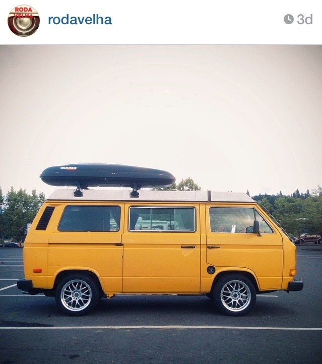semoregoodness:  Found this on Instagram on @rodavelha's profile. I think this is my new dream van. Perfection 👌