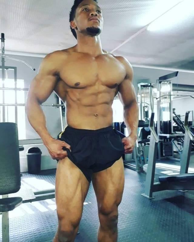 muscle hunk tumblr