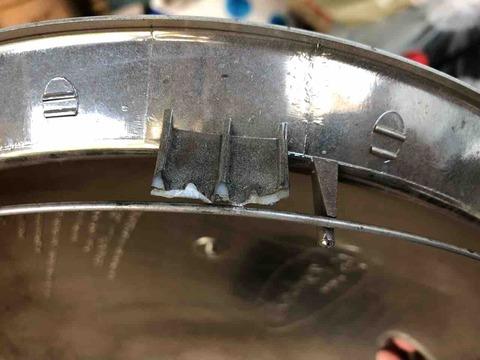 ミニポップビーのホイールキャップ破損