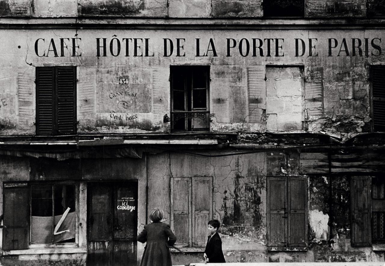 """poboh: """" Café Hotel de la Porte, Paris, 1965, Marc Riboud. (1923 - 2016) """""""