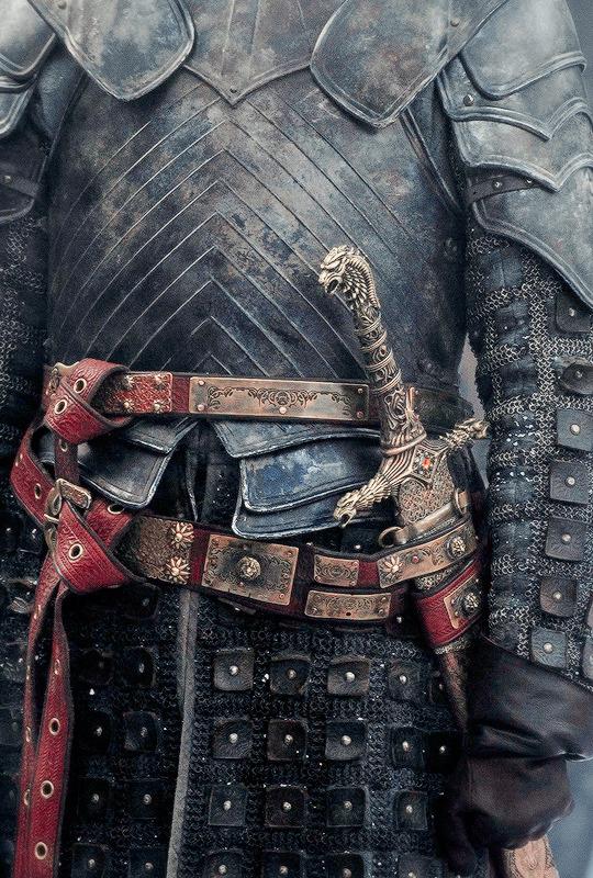 Game of Thrones + Costume Details | ©