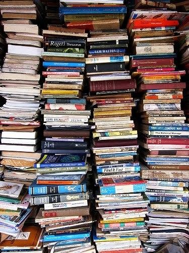 Résultats de recherche d'images pour «stack of books»