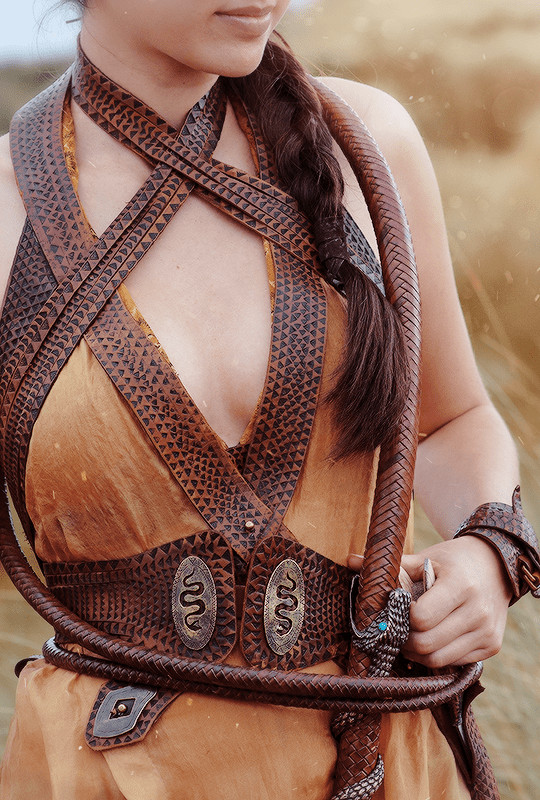 """♕ Game of Thrones 5.04 """"Sons of the Harpy"""" + Costume Details {x}"""