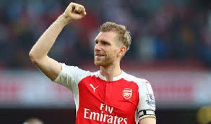 Masih Dipertahankan Arsenal, Mertesacker Bangga dan Tenang