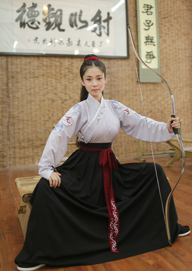 Traditional Chinese hanfu for archery by 重回汉唐