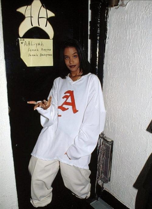 87e8991db7de Aaliyah (1995) – Vintage Stuff