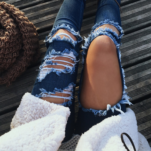 $8.22 Get this ripped blue jeans »here« !