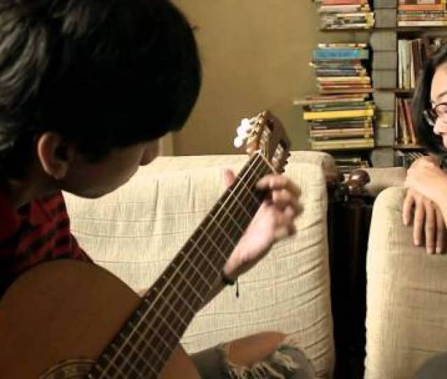 Hampir Semua Musik Yang Nge Hits Di Indonesia Punya Nada Yang Tidak Jauh Berbeda Dari Dentuman Bhingga Petikan Gitarnya Tapi Herannya Lagu Lagu