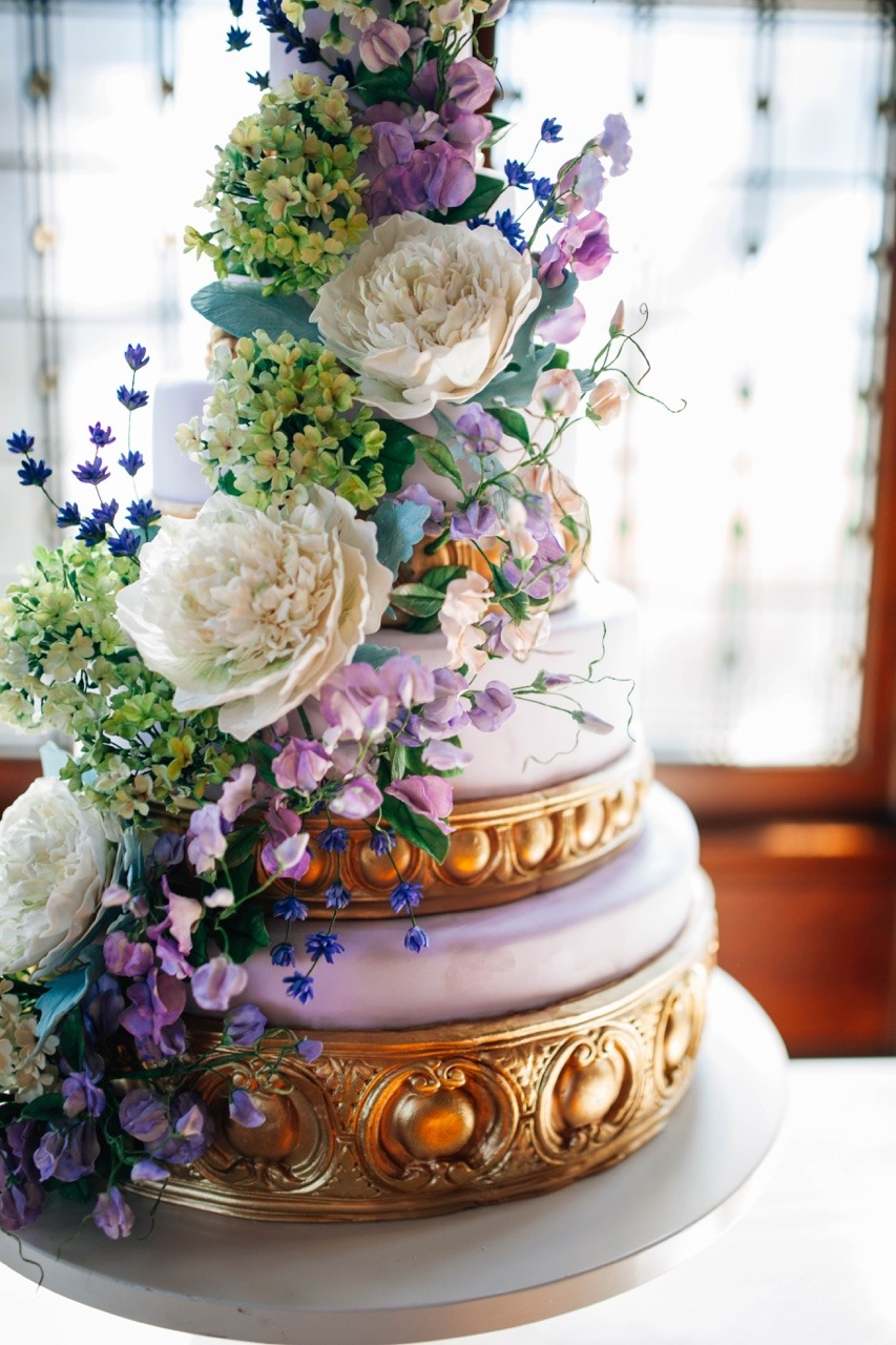 Purple Sugar Flower Wedding Cake  Sugar Peonies, Viburnum, and Sweet Peas I Kentucky Wedding Cake I Luxury Wedding Cake I Mischief Maker Cakes #mischiefmakercakes #themischiefmaker #kentuckyweddings
