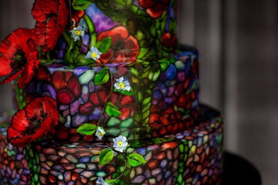 Stained Glass Wedding Cake with Sugar Flowers I Mischief Maker Cakes #mischiefmakercakes #themischiefmaker #bemischievious