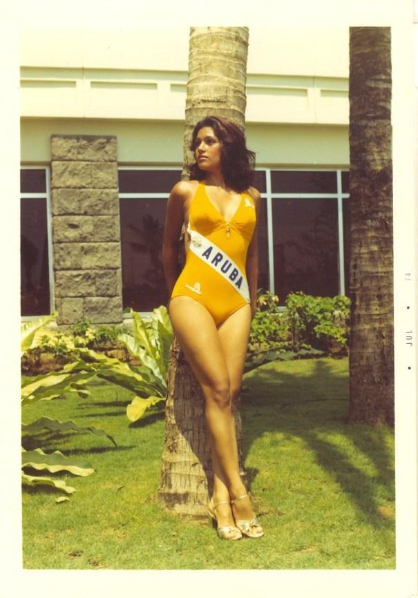 3af0e14875c vintagewoc Miss Aruba Maureen Ava Vieira (1974) – Vintage Stuff
