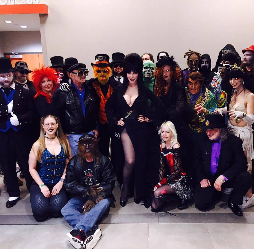 "therealelvira: "" Thanx to everyone at #horrorhoundweekend for a fabulous show! 💋💀💯 #elvira #mistressofthedark #cassandrapeterson #HHW2016 """