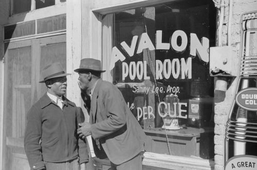 "yesterdaysprint: ""  Poolroom, Beale Street, Memphis, Tennessee, October 1939 """