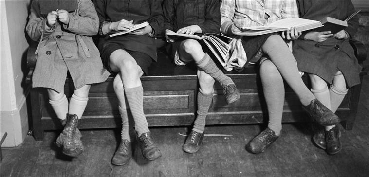 André Kertész - tHE READERS