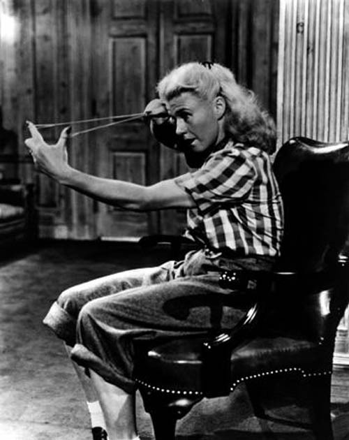 Ginger Rogers takes aim at Marilyn Monroe in Monkey Business. Ginger insisted that Edwina also experience the effects of B4, which Howard Hawks thought compromised his original intention for the comedy.