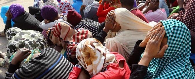 """Migranti, """"in Libia stupri e torture"""". """"Il vero problema è in Libia. Abbiamo notizie di violenze indicibili, di stupri e torture, migranti costretti a seppellire vivi altri migranti feriti"""". Flavio Di Giacomo, portavoce italiano dell'Organizzazione..."""