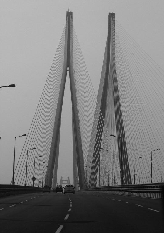 Mumbai sightseeing guide, Mumbai top tourist attractions, best places to visit in Mumbai, Mumbai attractions, what to see in Mumbai, points of interest in Mumbai,  Bandra Worli sea link,